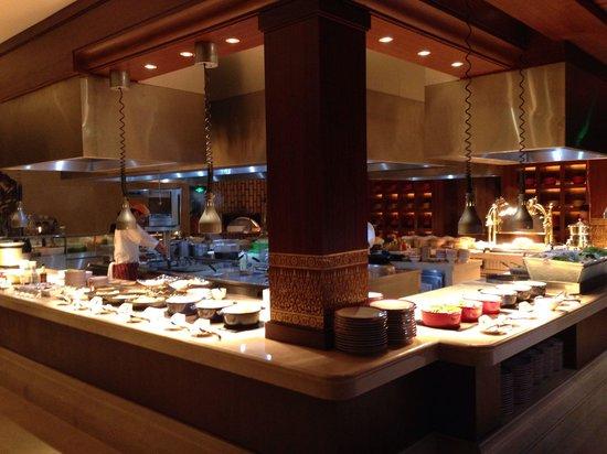 InterContinental Xishuangbanna Resort : Huge breakfast buffet