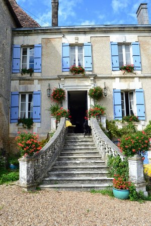 Manoir La Breuille : Entrance