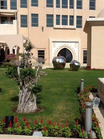 The St. Regis Doha: terrasse petit dejeuner