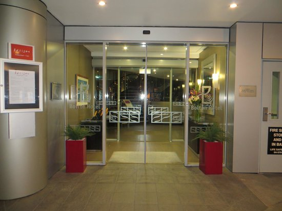 Bolton Hotel Wellington : Hotel Entry