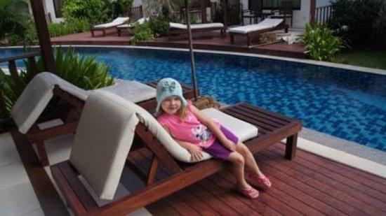Pinnacle Grand Jomtien Resort: Дочка (терасса шале)
