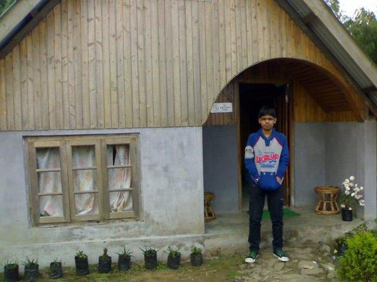 Jhandi Dara Sunrise Point: Jhandi Eco Huts