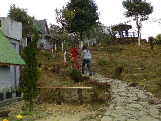 Jhandi Dara Sunrise Point : Jhandi Eco Huts
