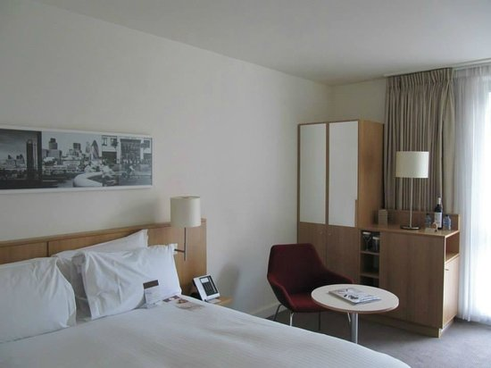 DoubleTree by Hilton Hotel London -Tower of London: Room