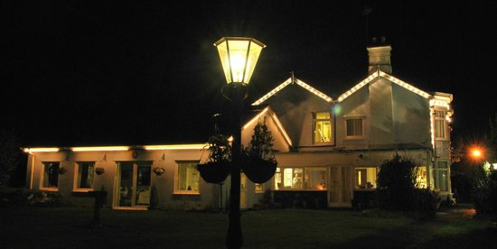 The Croft Guest House: The Croft at Night