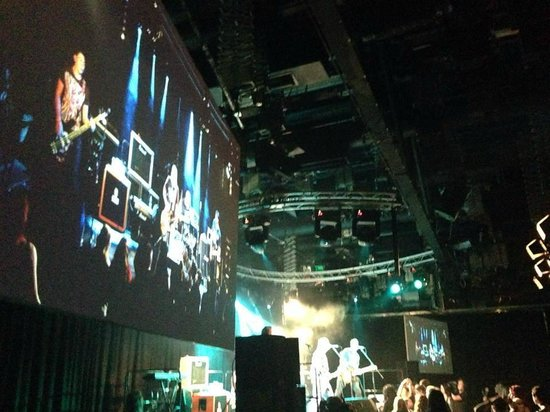 Epic Studios: Screens and lights ready for a show