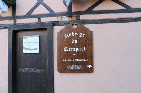 Auberge du Rempart: Back of the hotel