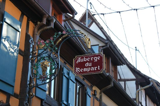 Auberge du Rempart: Front of hotel