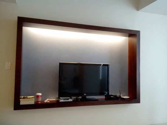 The Picasso Boutique Serviced Residences : tv