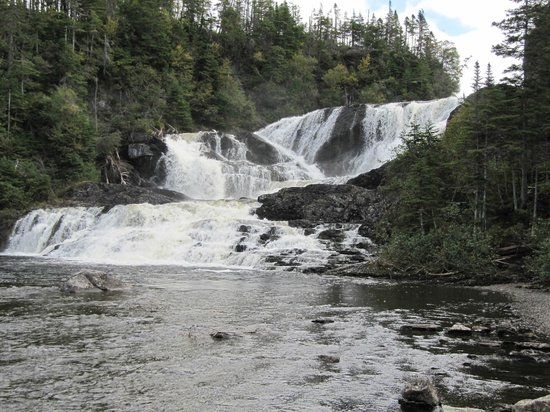 SeaBreeze Bed and Breakfast: water falls close to the B&B