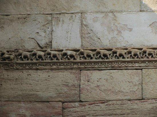 Adalaj Step-well carvings