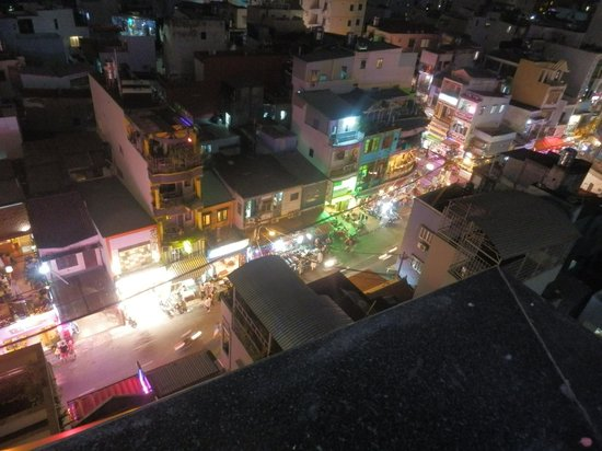 Duc Vuong Hotel: View from the rooftop restaurant/bar at night.