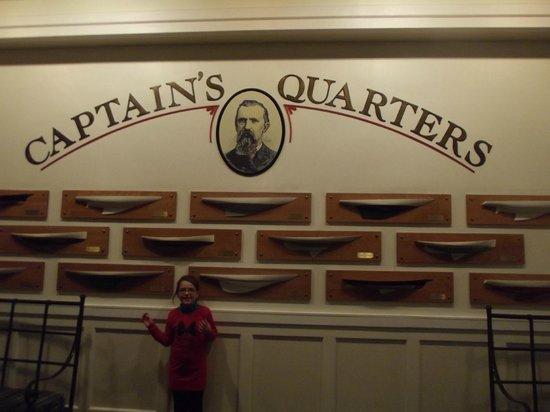 Disney's Newport Bay Club : ...