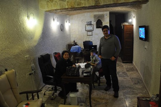 Hotel Cave Konak : Hotel owner and family