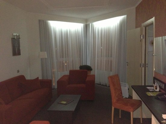 Hilton Garden Inn Perm: Гостиная