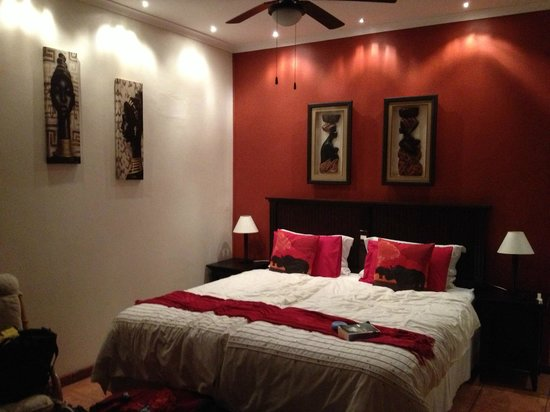 KhashaMongo Guesthouse: room