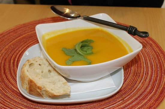 The Good Earth Food and Wine Co.: Soup $8