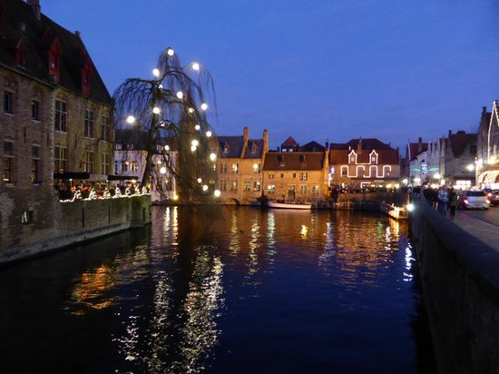 Crowne Plaza Brugge: General view and Burgher's House from bridge at Wollestraat
