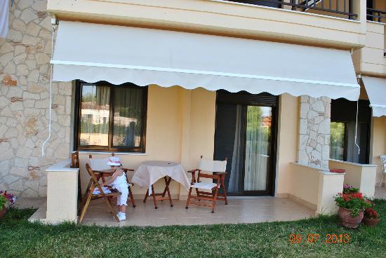 Stella-Meri Studios / Apartments To Let: Balcony