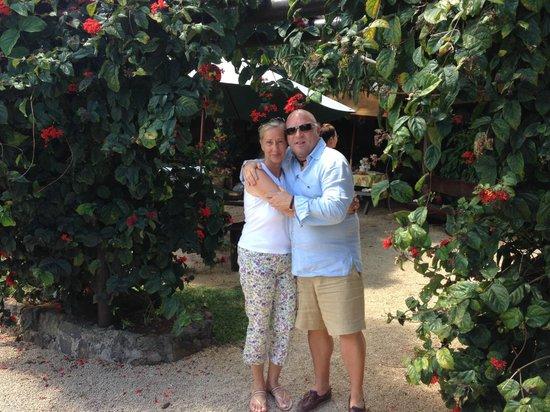 Im wunderschönen Garten des Escale Creole