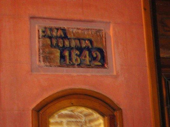La Taberna del Capitan Alatriste : табличка заведения