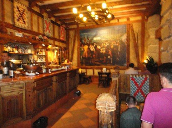 La Taberna del Capitan Alatriste : интерьер на входе