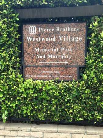 Pierce Brothers Westwood Village Memorial Park: Sign at entrance