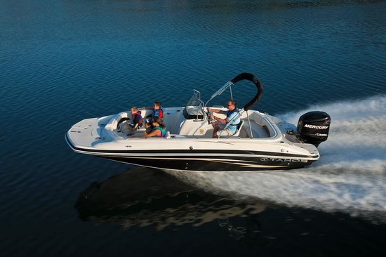 Simpson Bay (ทะเลสาบซิมป์สัน เบย์), เซนต์มาร์ติน / ซินท์มาร์เทิน: Enjoy your music on The Tahoe