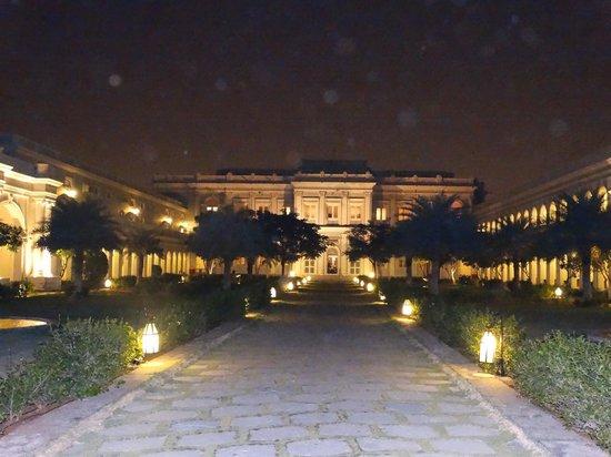 Taj Falaknuma Palace: Palace courtyard