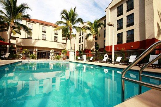 Hampton Inn & Suites Fort Myers Beach / Sanibel Gateway: Pool Area