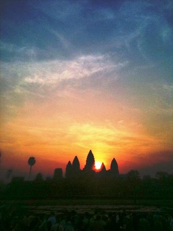 Heritage Suites Hotel : From Lin and Owner Angkor Forever Tours.Angkor Wat Sunrise