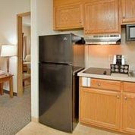 IHG Army Hotels on Fort Leonard Wood: Foster Lodge Kitchenette