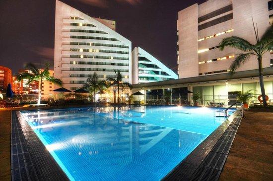 Hotel San Fernando Plaza Medellin: Terraza Palma Azul en el Hotel San Fernando Plaza