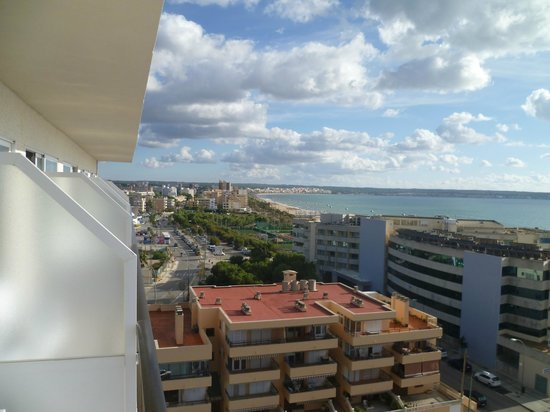 Java Hotel : Blich vom Zimmer 8. Etage auf das Meer