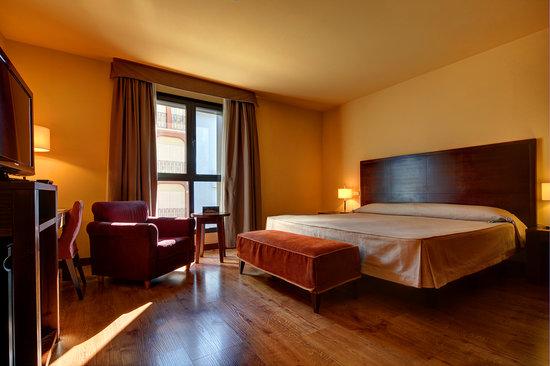 Gran Hotel Ciudad de Barbastro: Habitación doble