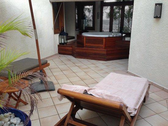 Maritim Resort & Spa Mauritius : Honeymoonsuite mit Aussenjacuzzi