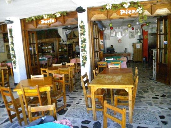 Margherita e Carbonara : al fresco dining