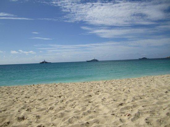 The Azure Hotel : Azure Beach area