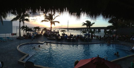 Sunset Grille and Raw Bar : Sunset at the Sunset Grille Dining Room