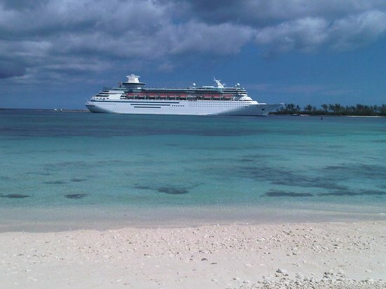 Breezes Resort & Spa Bahamas: Cruise ship coming in to Nassau