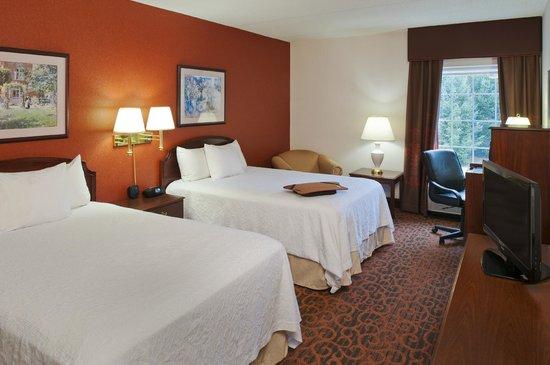 Hampton Inn and Suites Bethlehem: Double Bed Standard Room
