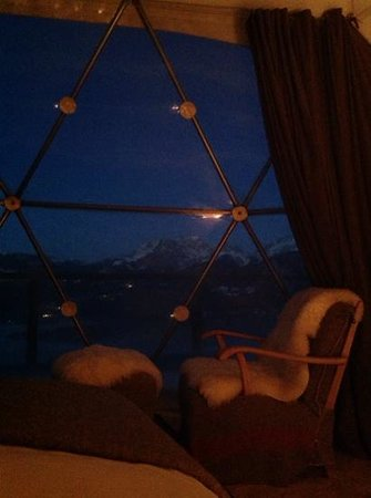 Whitepod Eco-Luxury Hotel : what a view ( from the bed )