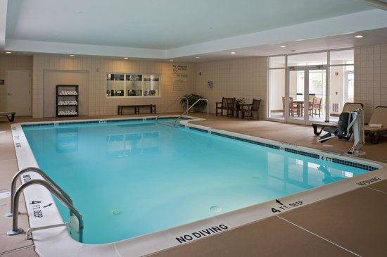 Hampton Inn and Suites Bethlehem : Indoor Heated Pool