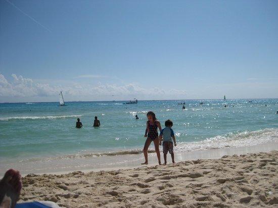 Allegro Playacar: My kids at the Playacar beach