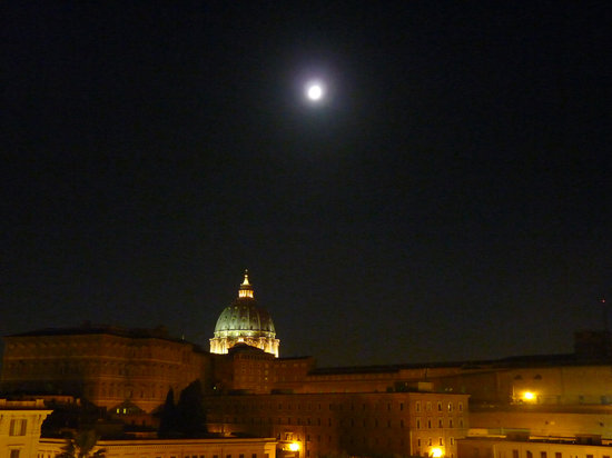 Vatican Vista: Moon over St. Peter's seen from our triple room