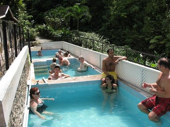 Diamond Botanical Gardens: um ya the rock hot springs. :/