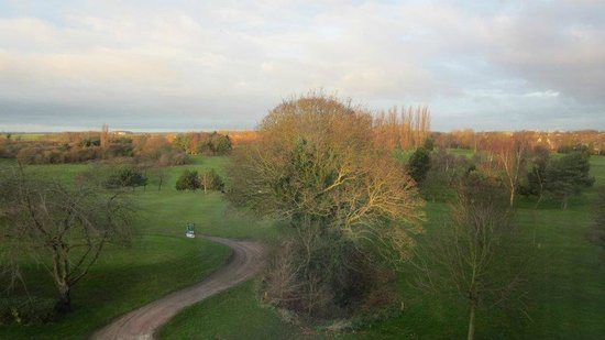 Humber Royal Hotel: Panoramic view of the neighbouring golf-course