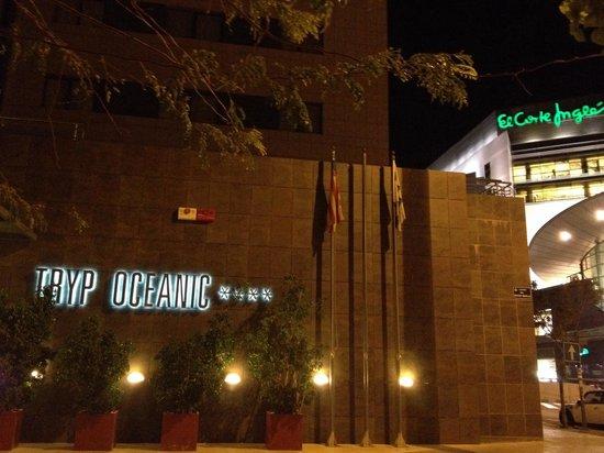 Tryp Valencia Oceanic Hotel: Entrance