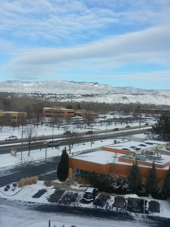 Holiday Inn Express Boise University Area : Day view from my window to the left.