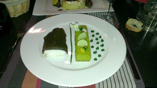 Le 17 : Le merlu en croûte d'herbe, polenta pistache